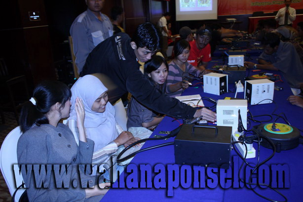 Workshop-Reparasi-Ponsel-Outlet-Telkomsel-37